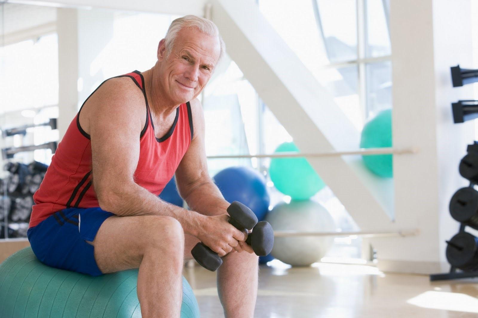 Советы, чтобы избежать травм при выполнении упражнений для тех, кто старше 65